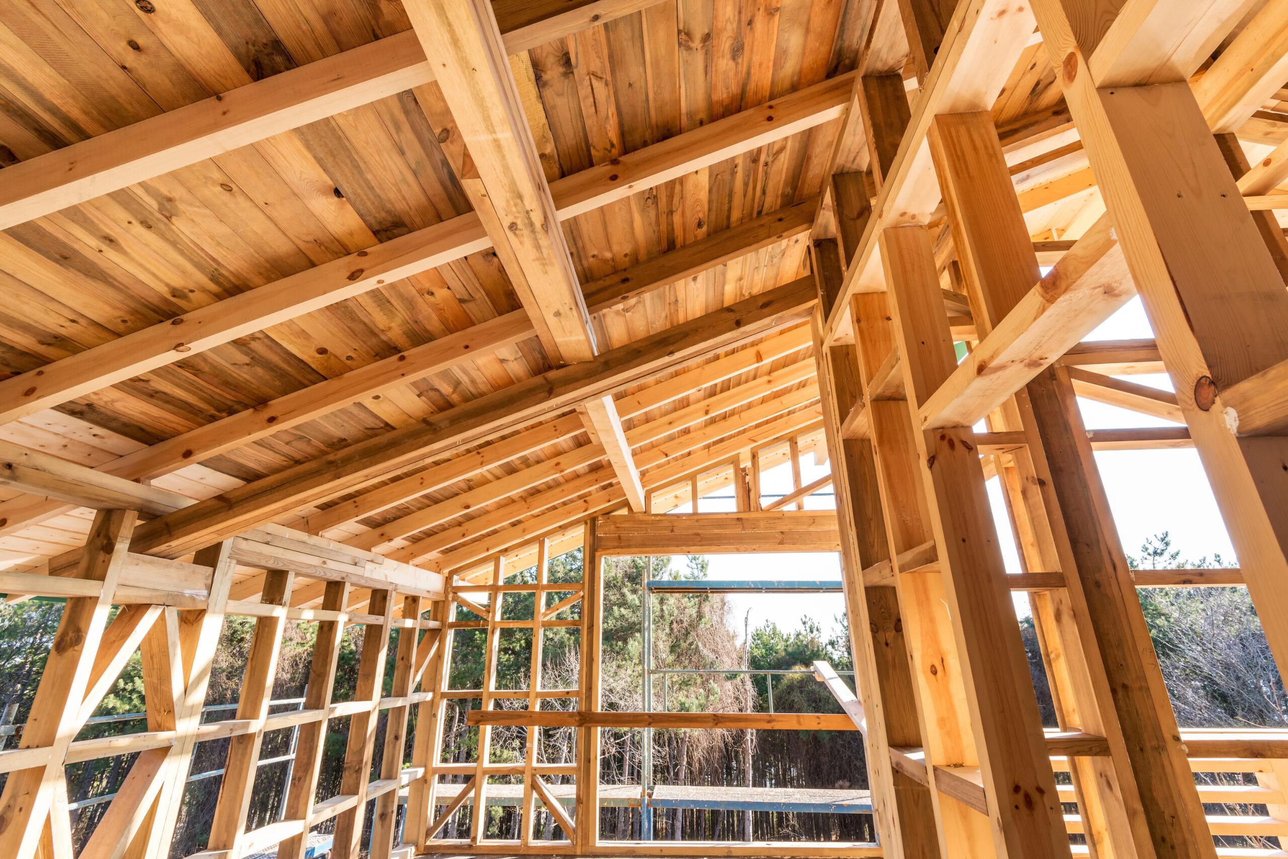 Construire et rénover avec le bois